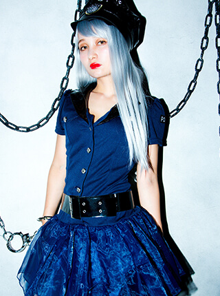 police×Party Color ロングストレートのモデル写真
